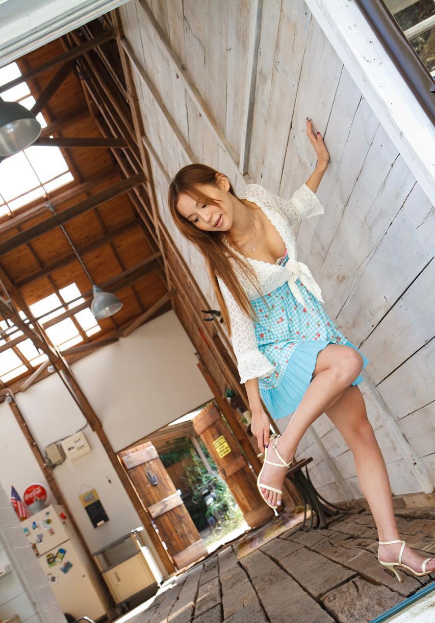 丘咲エミリ 画像 8