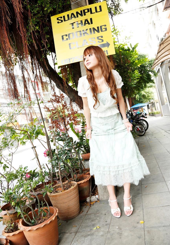 丘咲エミリ エロ画像 9