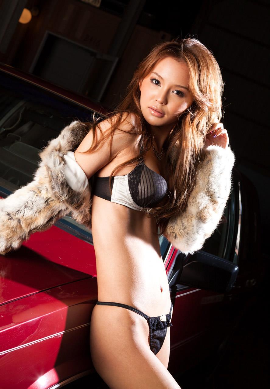 丘咲エミリ ヌード画像 50
