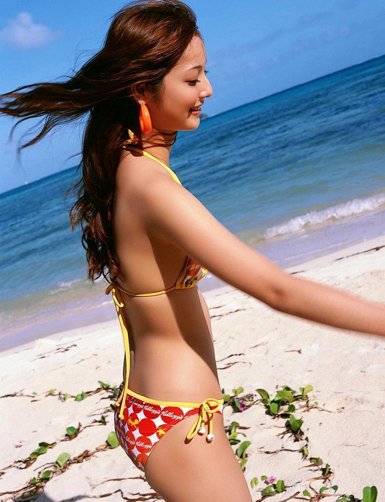 佐々木希の可愛い過激水着画像 57