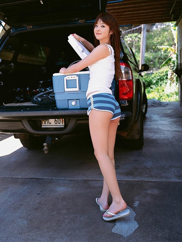 佐々木希の可愛い過激水着画像 83