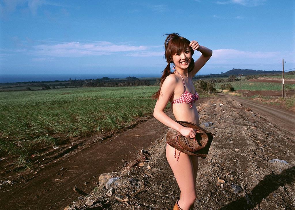 佐々木希の可愛い過激水着画像 101