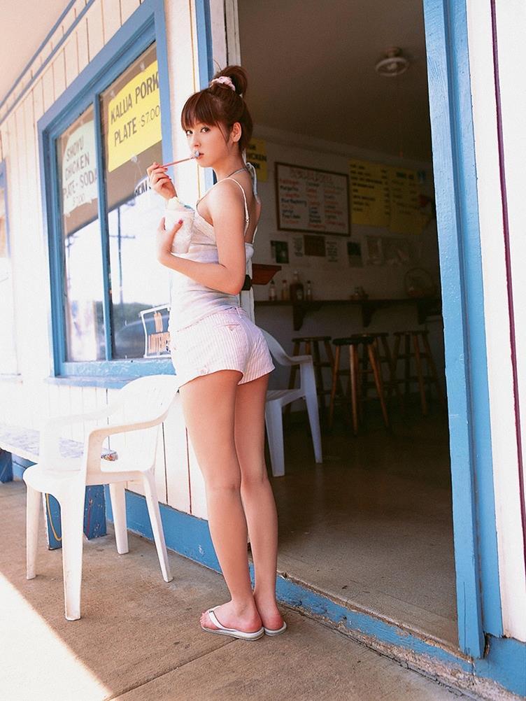 佐々木希の可愛い過激水着画像 117