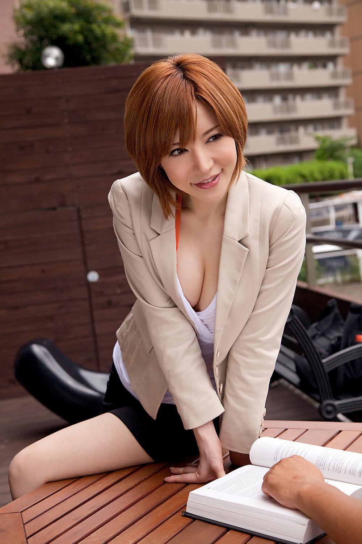 里美ゆりあ(小泉彩) セクシー画像 20