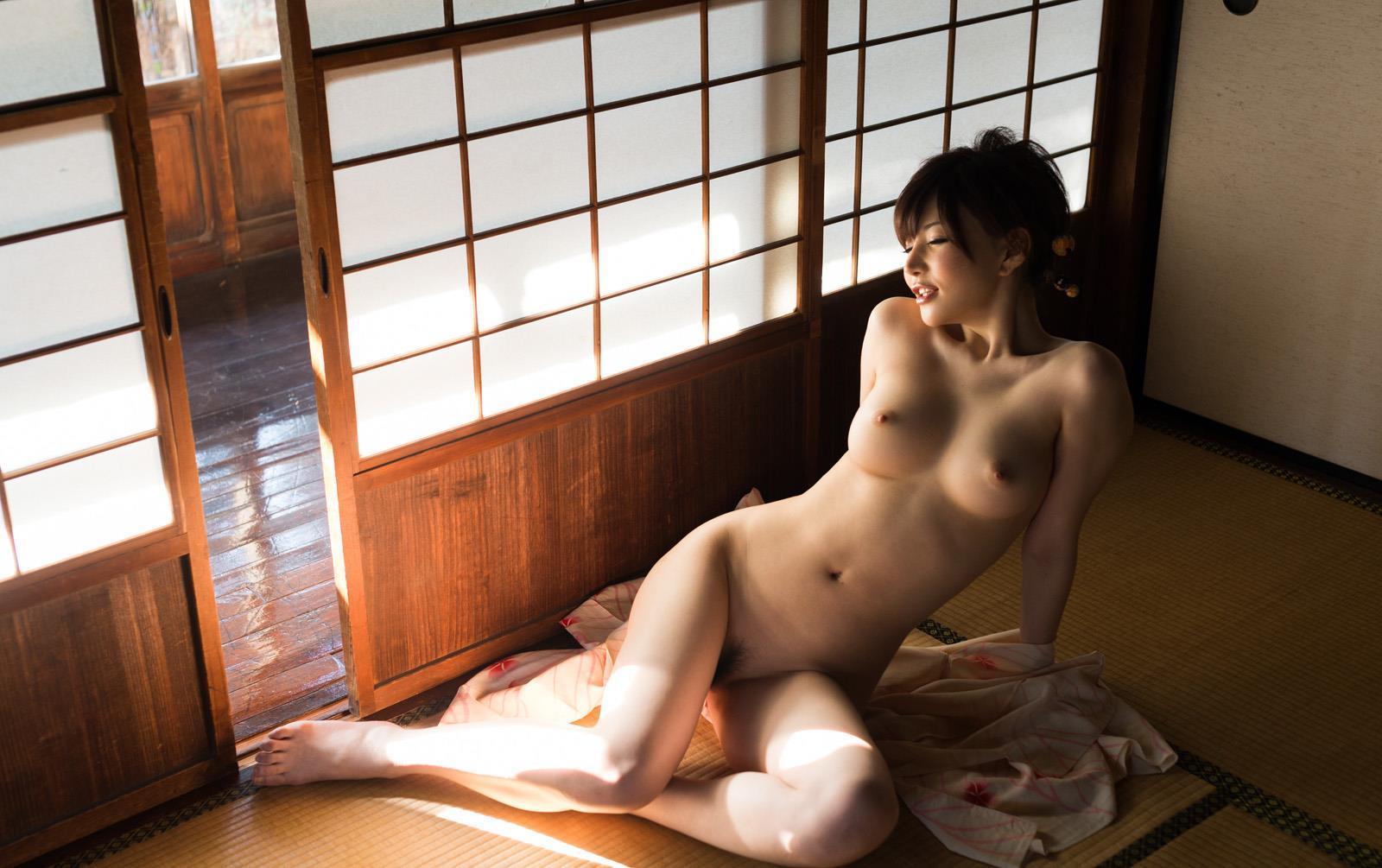 ボンテージに艶やかな浴衣の里美ゆりあヌード画像