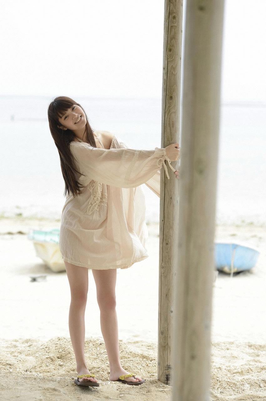 新川優愛 エロ画像 12