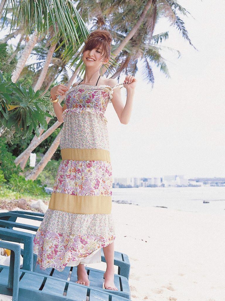 篠田麻里子 エロ画像 9