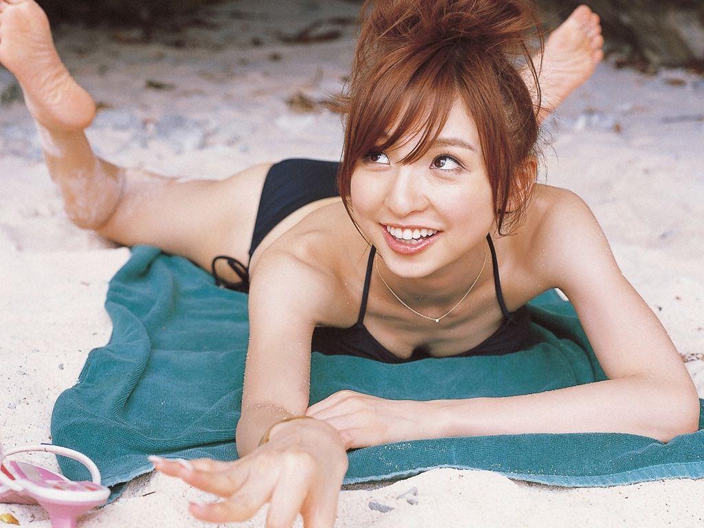 篠田麻里子 エロ画像 11