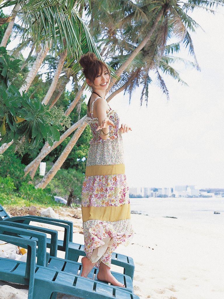 篠田麻里子 エロ画像 20