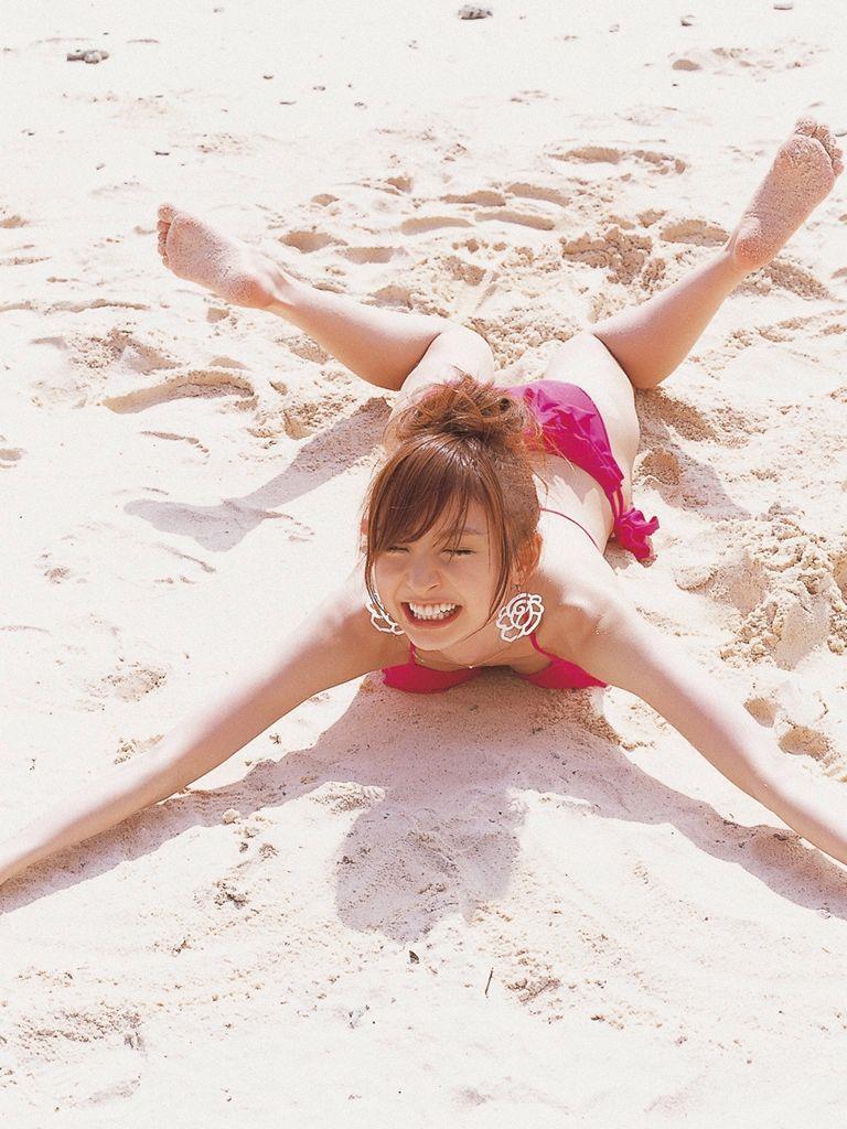 篠田麻里子 エロ画像 25