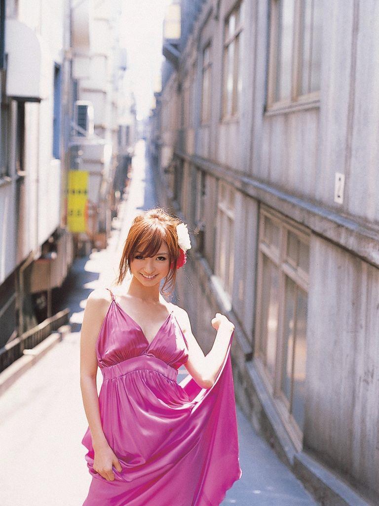 篠田麻里子 エロ画像 26