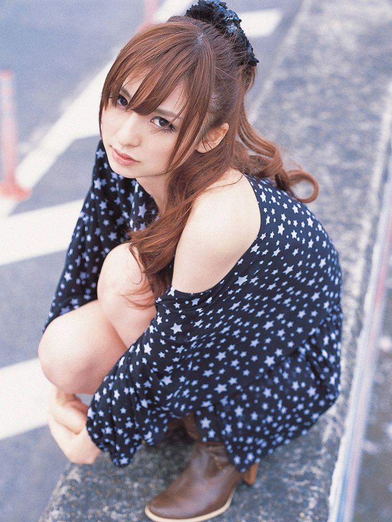 篠田麻里子 エロ画像 43