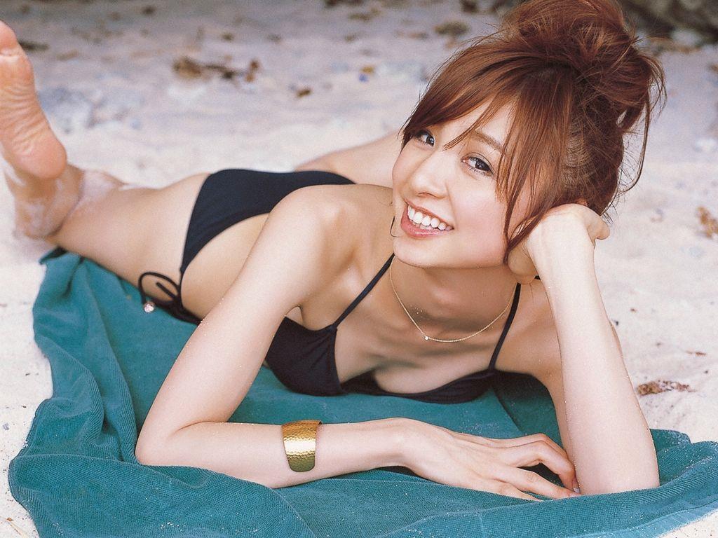篠田麻里子 エロ画像 47