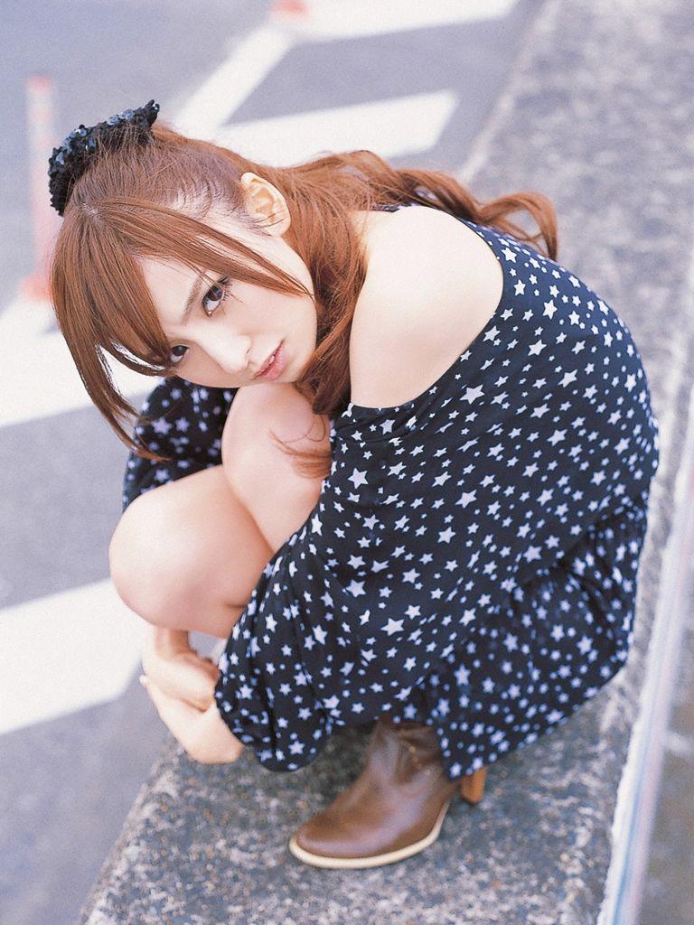 篠田麻里子 エロ画像 48