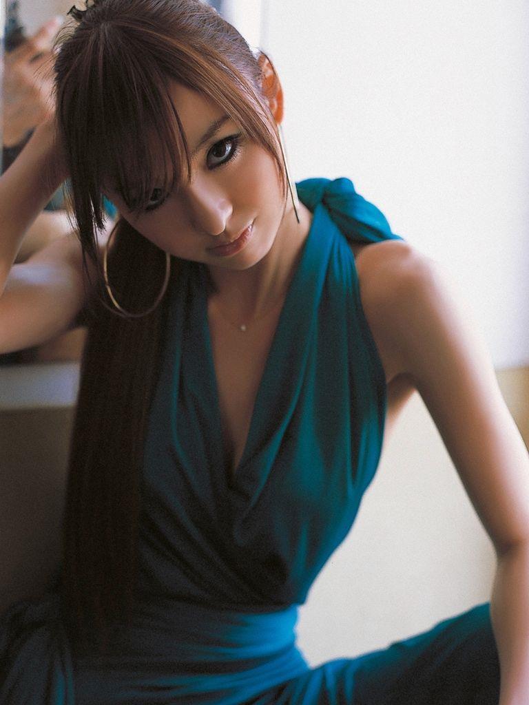 篠田麻里子 エロ画像 49
