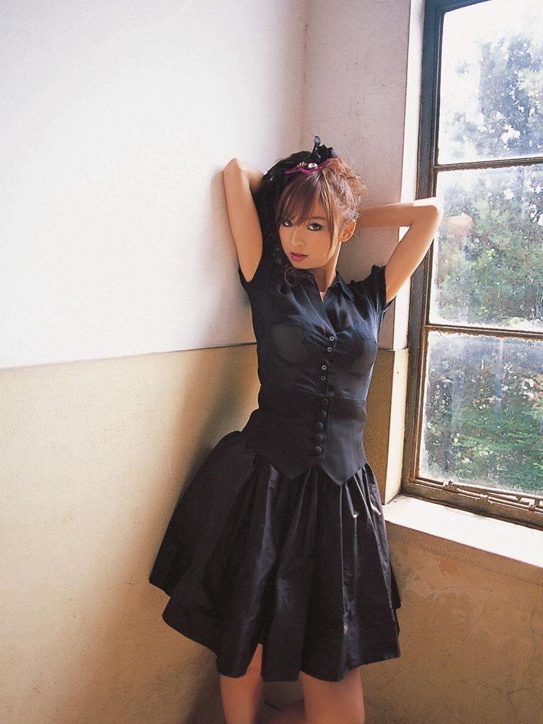 篠田麻里子 エロ画像 65