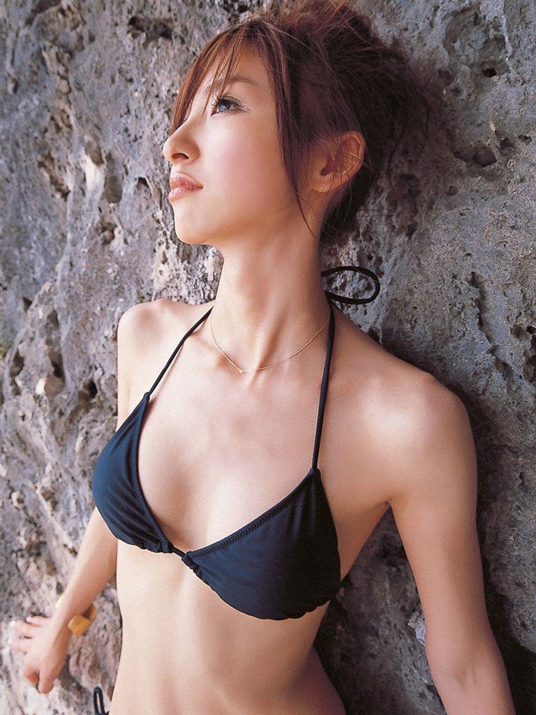 篠田麻里子 エロ画像 73