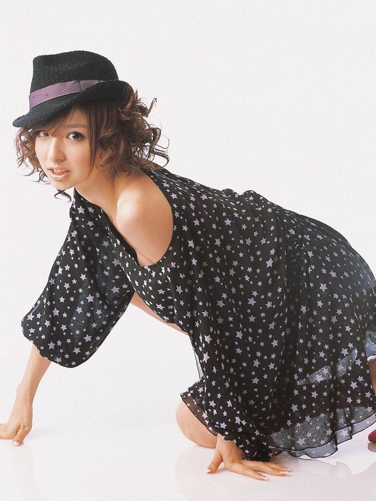 篠田麻里子 エロ画像 80