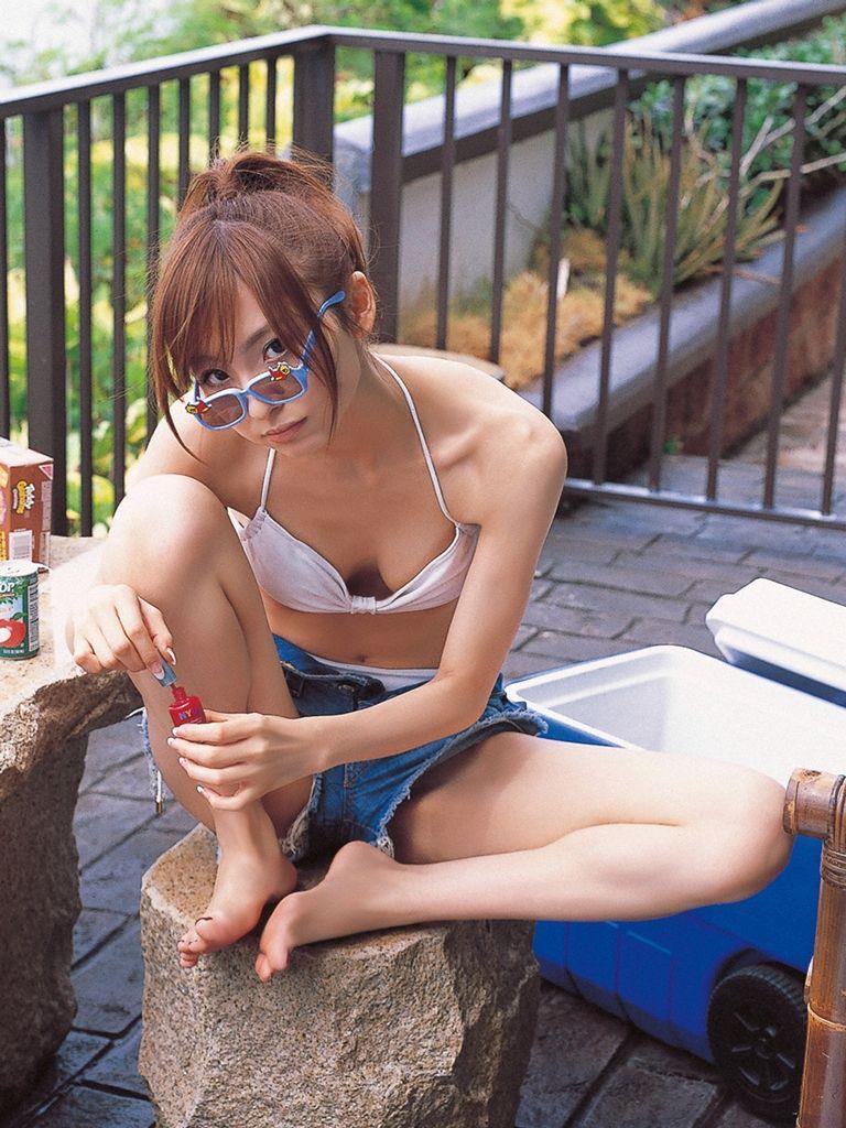 篠田麻里子 エロ画像 84