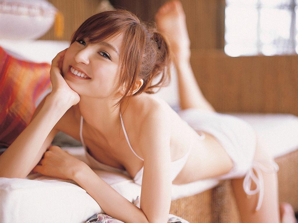 篠田麻里子 エロ画像