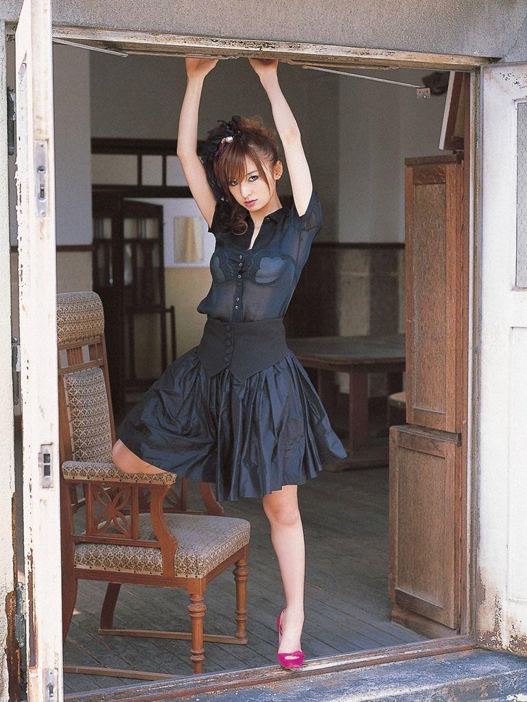 篠田麻里子 エロ画像 92