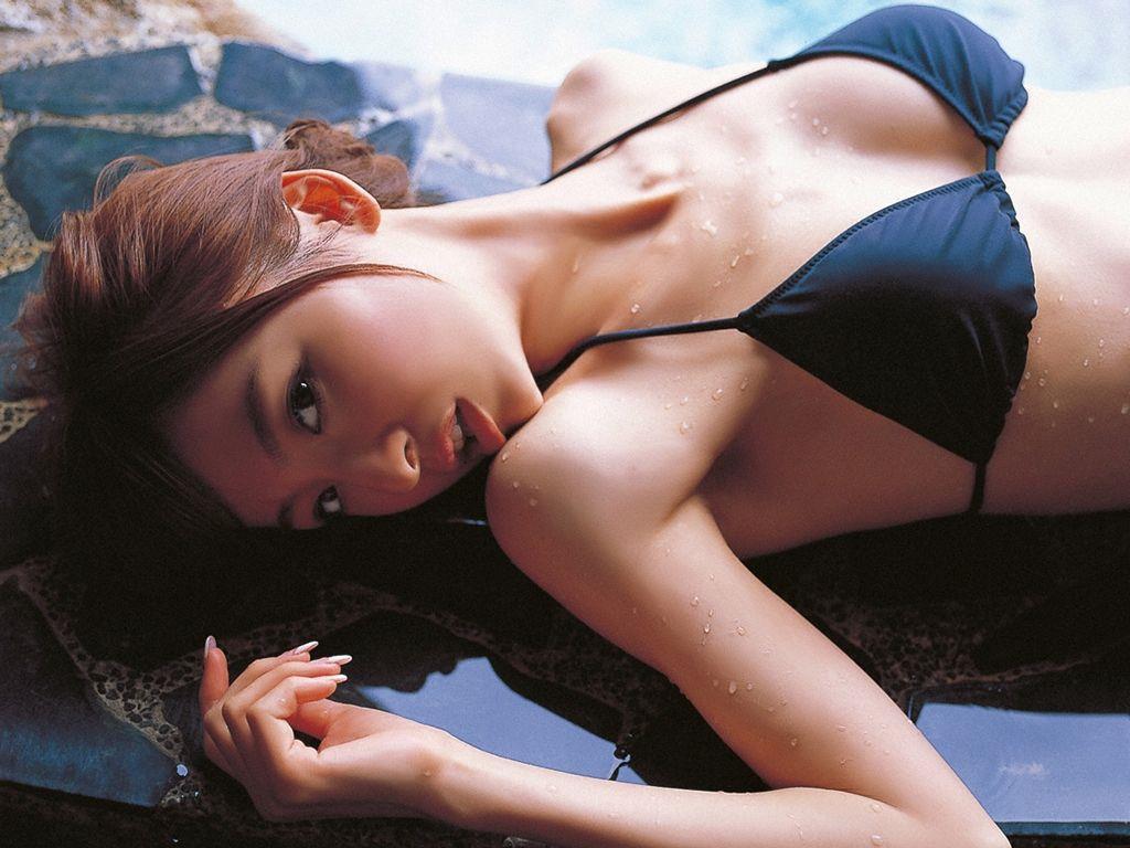 篠田麻里子 エロ画像 96