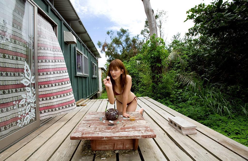 スザンヌ エロ画像 40