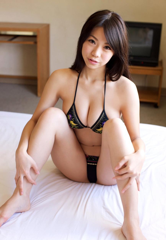 鈴木ふみ奈 過激水着画像 81