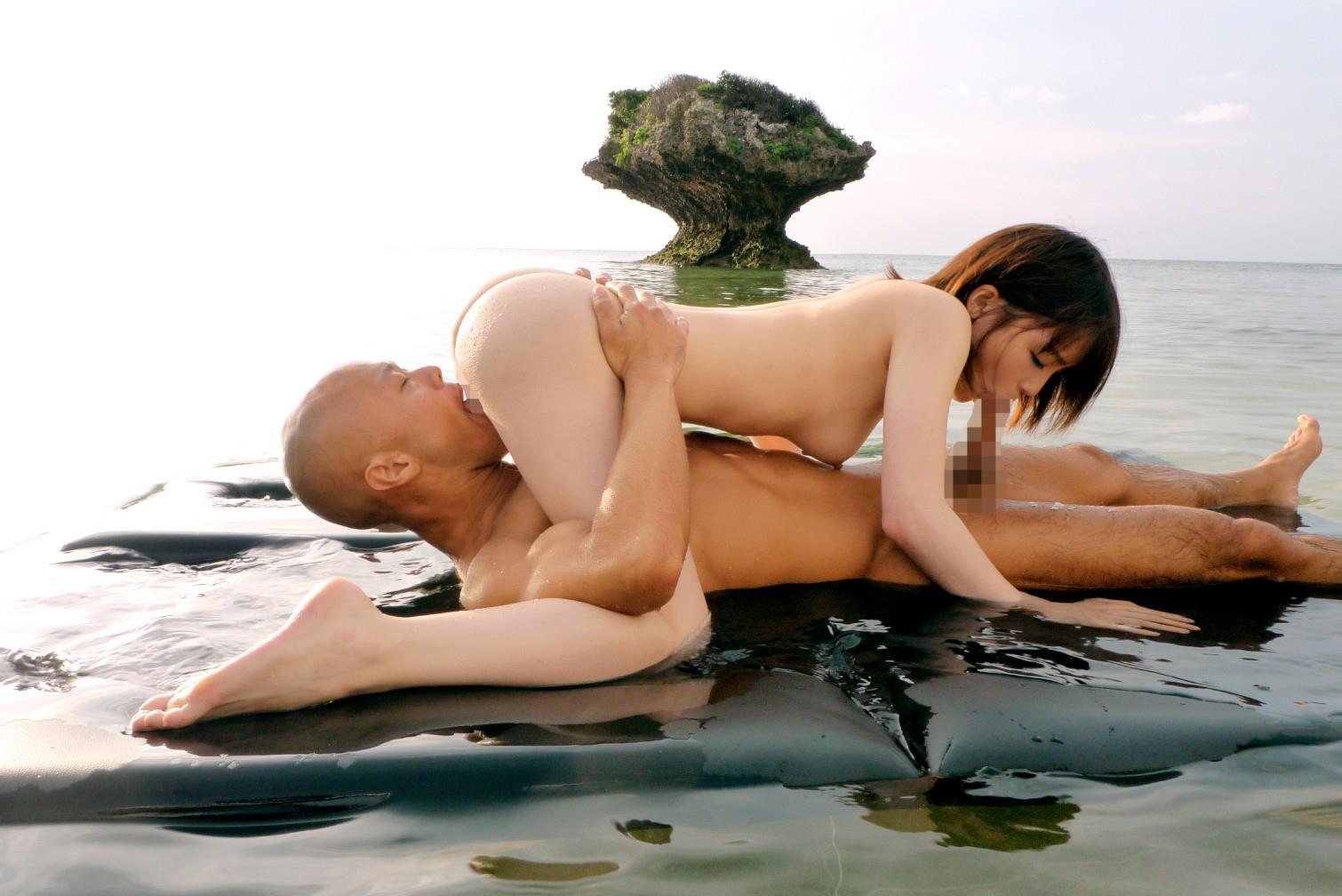 https://img.erogazou-pinkline.com/wp-content/uploads/2015/10/suzumura_airi_428_093.jpg