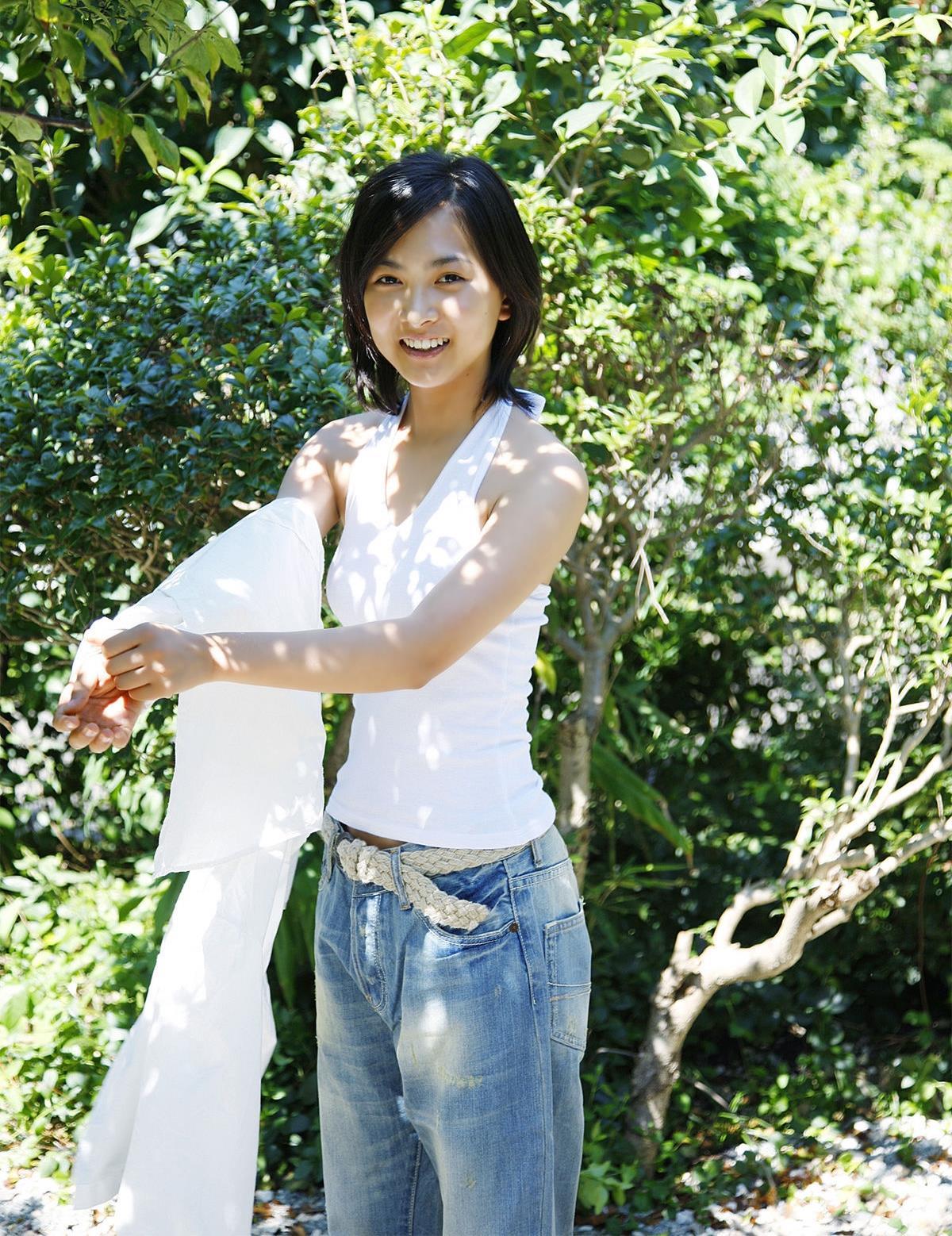 若手実力派女優・谷村美月のDカップ過激水着画像
