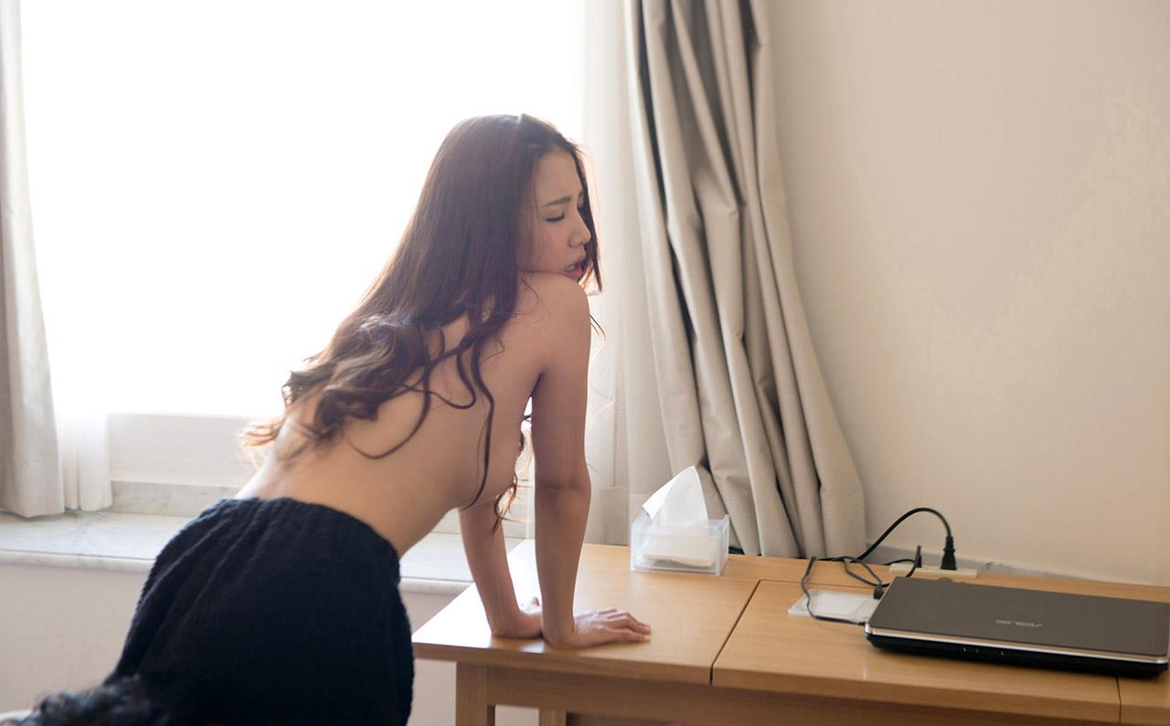 友田彩也香 セックス画像 91
