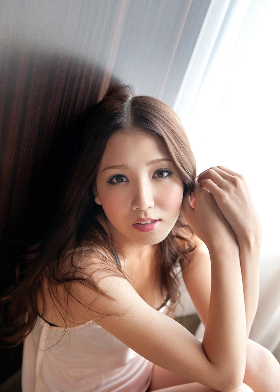 友田彩也香 SEX画像 13