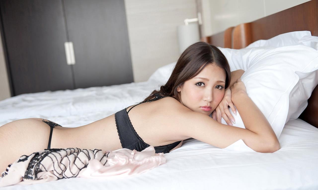 友田彩也香 SEX画像 21