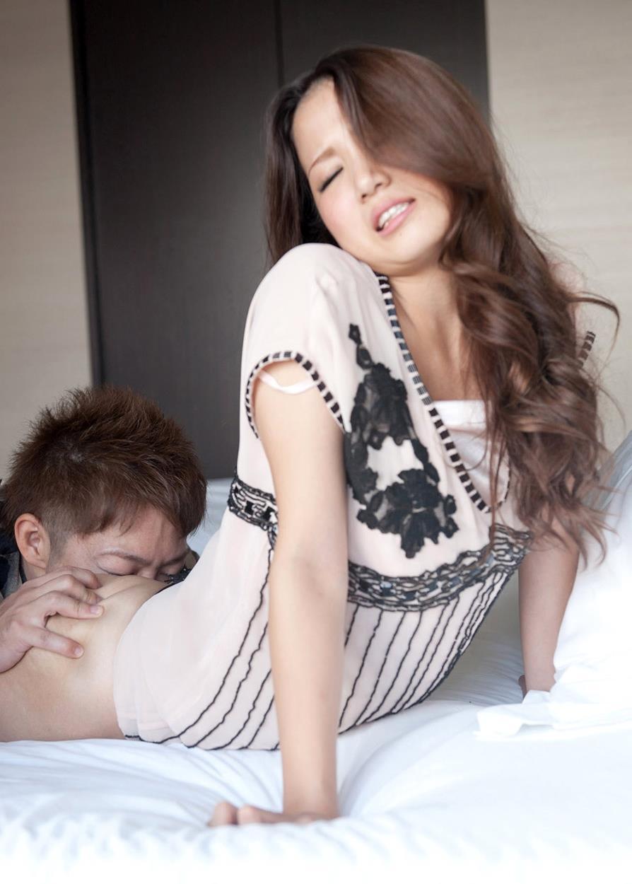 友田彩也香 SEX画像 45
