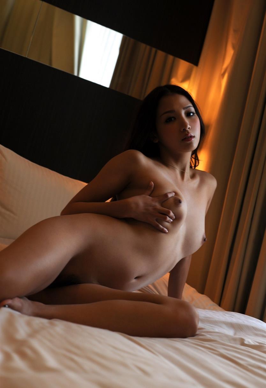 友田彩也香 セックス画像 47