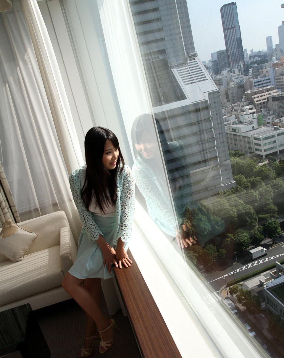友田彩也香 エロ画像 24