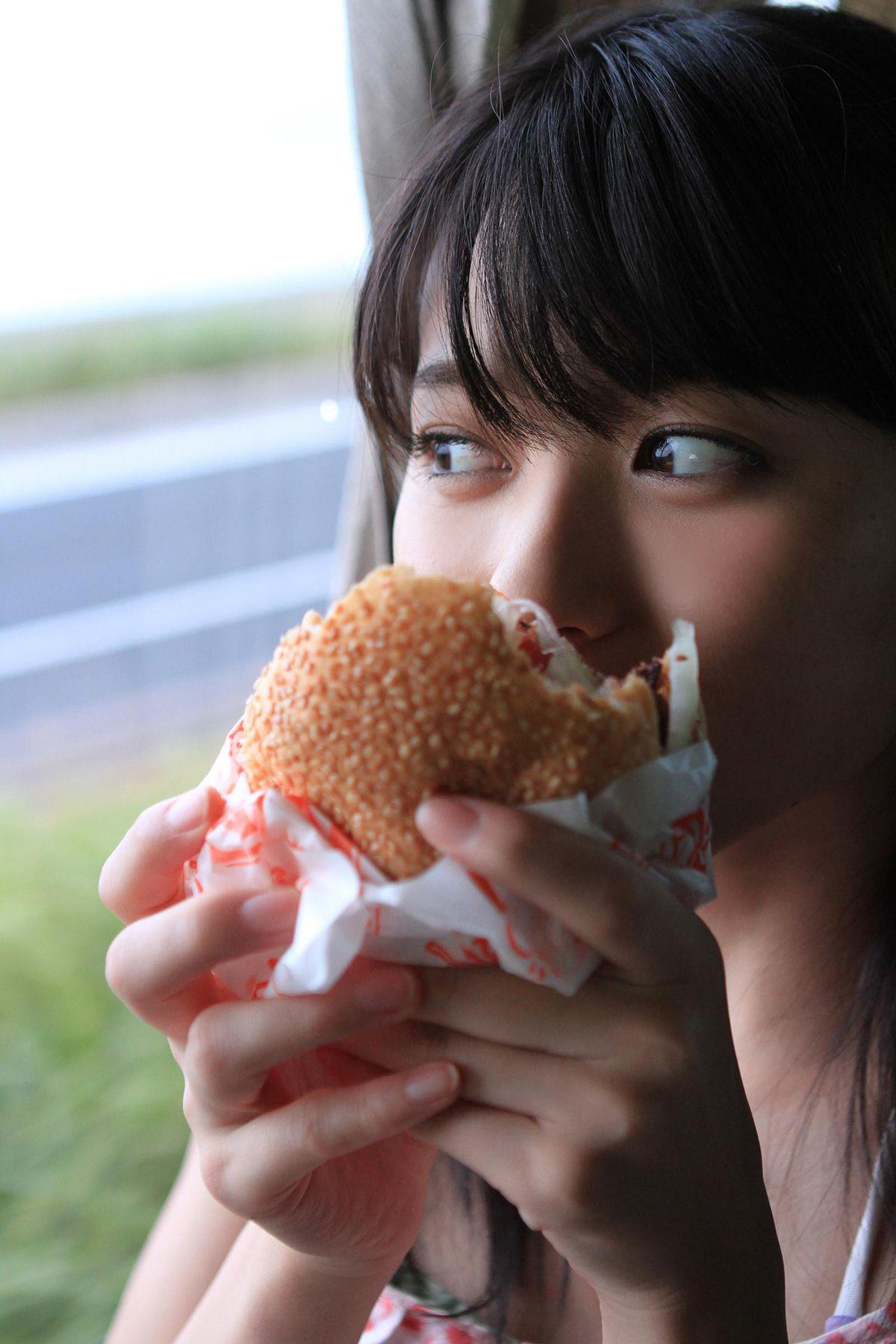 矢島舞美 エロ画像 32