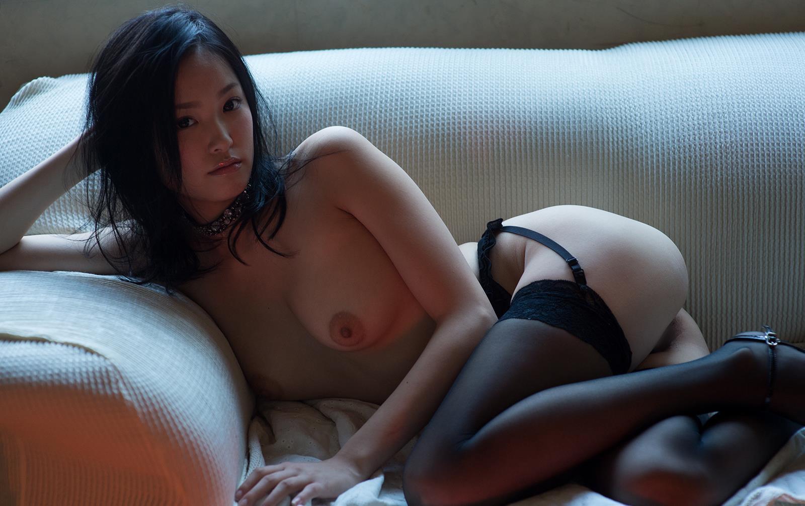 柚月あい 清純で清楚な黒髪美少女AV女優ヌード画像
